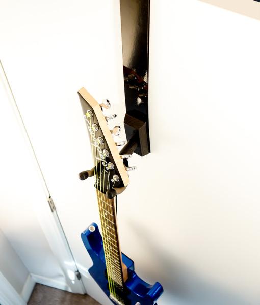 about-guitar-door-hanger
